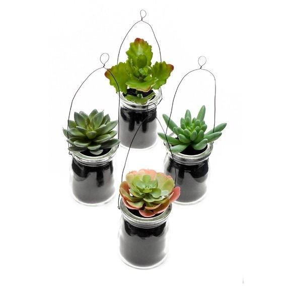 plante succulente artificielle en pot suspendre h11cm. Black Bedroom Furniture Sets. Home Design Ideas