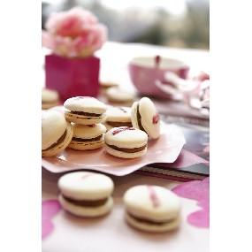 Macarons Fraise, Framboises, Chocolat Tonka