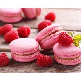 Macaron pistache, fraise et chocolat