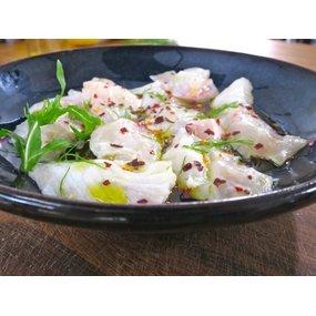 Ceviche de daurade et saumon espuma d'avocat, tuile au parmesan