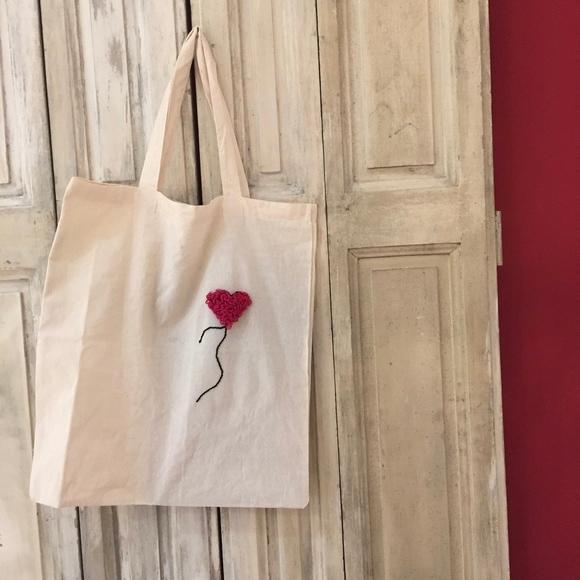 Achat en ligne Mon tote-bag customisé avec le punch needle !