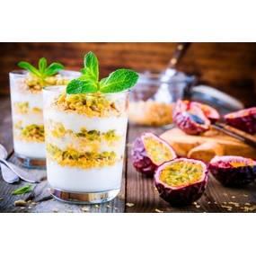 Verrine de chocolat blanc, minestrone de fruits exotiques, tuile dentelle
