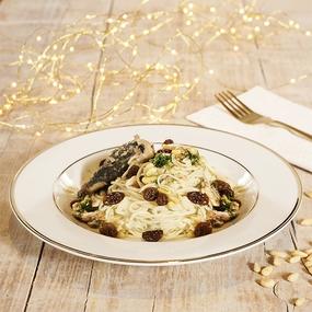 Tagliolini festosi con sarde finocchietto pinoli e uvetta