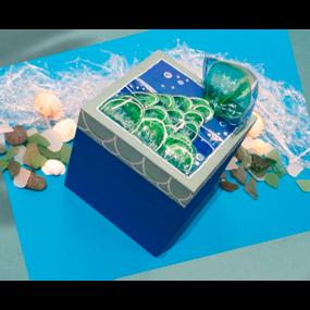Riciclo creativo: la scatola sirena con bottiglie in plastica di riciclo
