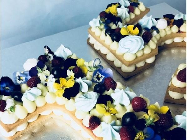 Mon number cake