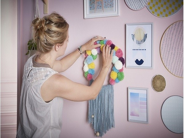 DIY laine & lumière pour une déco murale réussie !