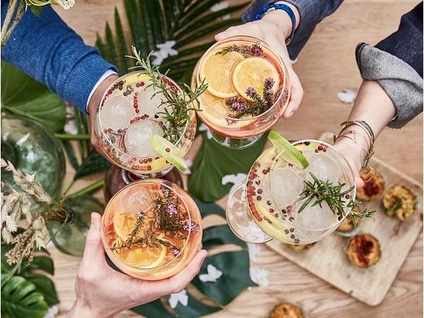 Des cocktails rafraîchissants et colorés